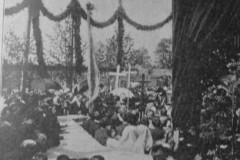 Położenie kamienia węgielnego pod kościół w Mirkowie (1907 r)