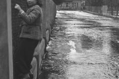 Wylanie Jeziorki w marcu 1947 r na terenie Konstancina-ulica Batorego (fot. Maria Chrząszczowa ze zbiorów Fundacji Archeologia Fotografii)