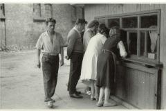 WZP - sklepik zakładowy (lata 50-60) - źródło penetratorscavengerteam.blogspot.com