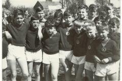 mali członkowie RKS Mirków (lata 70-80) - źródło penetratorscavengerteam.blogspot.com