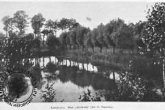 """Konstancin-park, staw zarybkowy """"gołąbek"""" z dopływem do Jeziorki, 1912 r."""