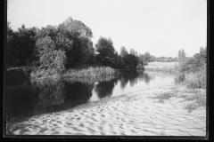 Jeziorka w okolicach Skolimowa, Chylic, Konstancina, okres międzywojnia, autor nieznany. Zbiory NAC