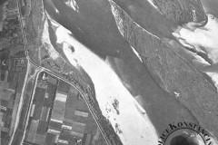 przekop nowego ujścia Jeziorki do Wisły w Obórkach, lata 60-te XX wieku (zbiory A.Zyszczyka)