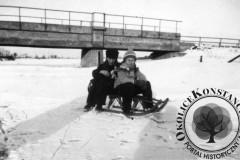 Jeziorka, most bocznicy kolejowej w Mirkowie, lata 30-40 XX wieku (zbiory Macieja Łaby)