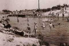 Plaża nad Jeziorką, 1943 r. Zbiory WMK.