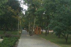 2013, ścieżka w parku w miejscu torowiska w Konstancinie