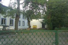 """2013, widok na nieistniejące już """"Przy Źródle"""" okolice dawnej stacji Konstancin."""