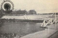 1901. Fragment mostu kolejowego do parku w Konstancinie.