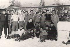 RKS Mirków-wyjazd zimowy (zdjęcie udostępnił pan Andrzej Makulski)  lata 60-70