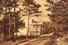 Park i dom diakonisTabita-widok od strony bramy 1931 r (zbiory A.Zyszczyk)
