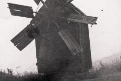 Wiatrak w Karczewie, zb. Ł. M. Stanaszka
