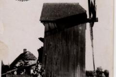 wiatrak w Łęgu (zb. D. Kluczyk)