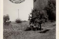 wiatrak w Łęgu, lata 60-te XX w. (zb. D. Kluczyk)