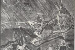 Jeziorna z aeroplanu lecącego na wysokości 1500 metrów (skala przybliżona 1:7500), 1930 rok, Tygodnik Ilustrowany. Zbiory Adama Zyszczyka