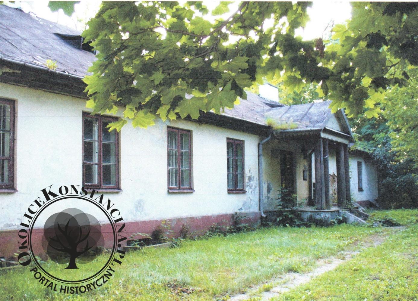 Dwór w Skolimowie przed przebudową (fot. Tomasz Bieske)