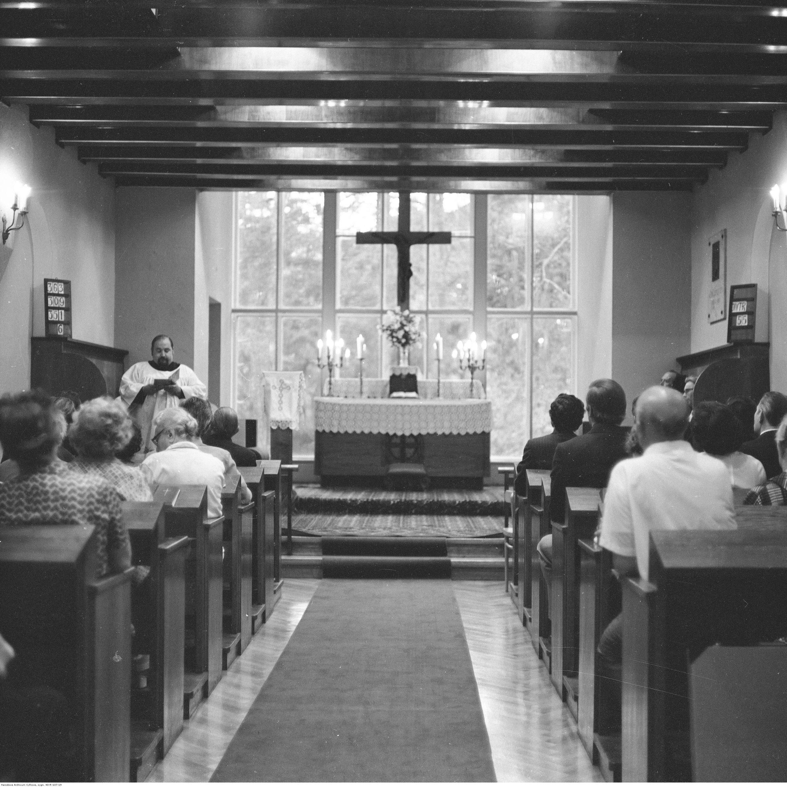 Kaplica w budynku Tabity - 1976 r (Narodowe Archiwum Cyfrowe)